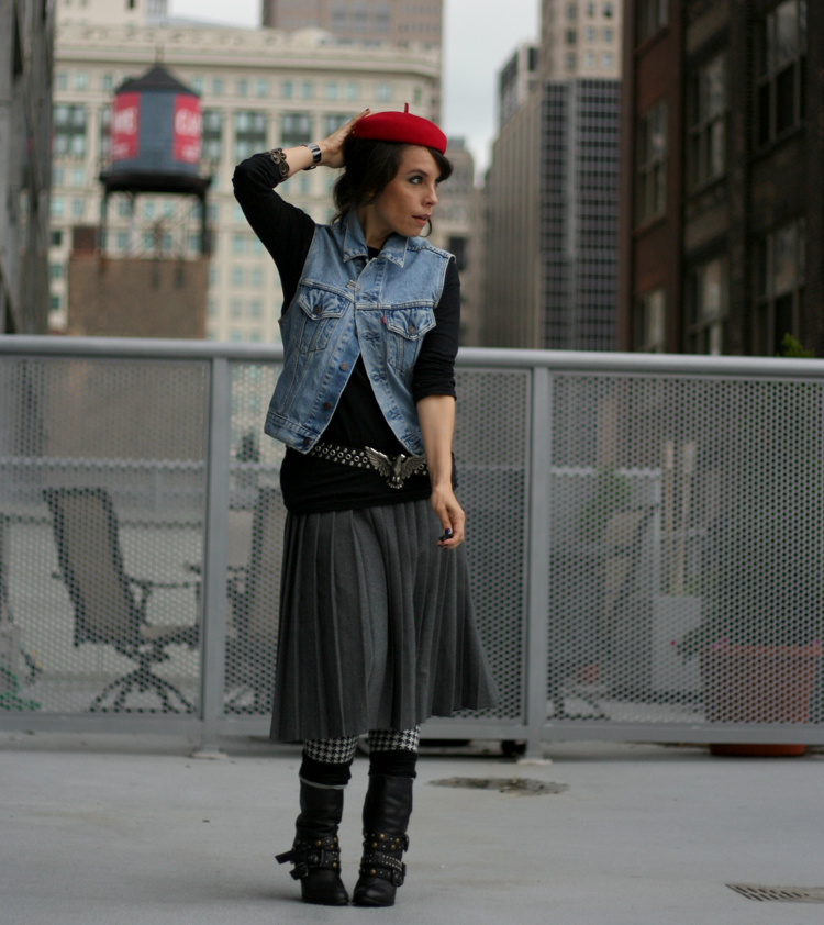 Post image for A red beret to the Dress Up Soirée